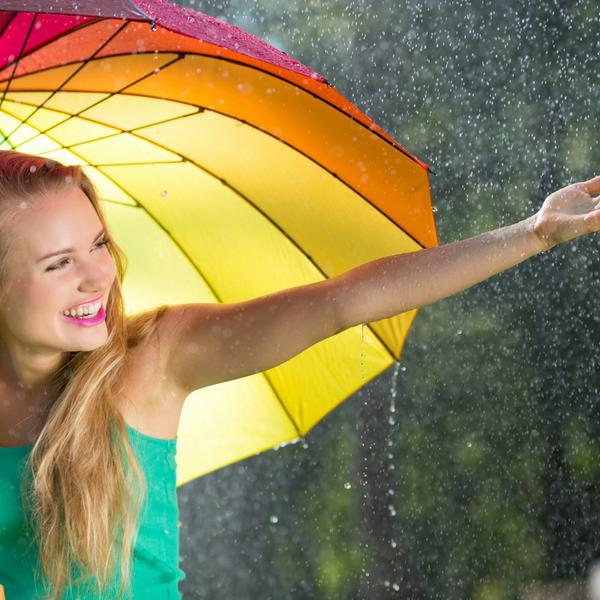 girl-with-rainbow-umbrella-PTUDQVN
